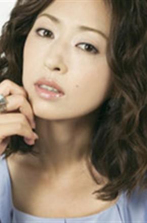 主演:黑木明纱,,谷原章介,,松雪泰子,,朴璐美,,